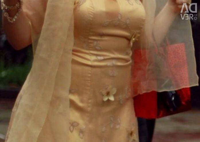 Платье на выпускной или на свадбу 46р.