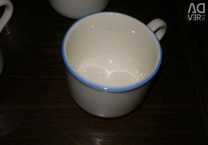 Porcelain mugs of the new USSR