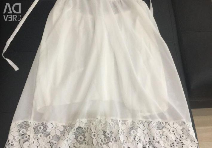 Rochie de plajă cu spatele deschis