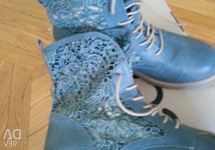 Selling beautiful boots nat.kozha pr, -vo.Italiya