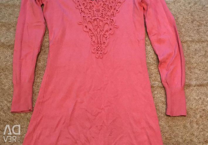 Вязаное платье с красивой спинкой 42-44 р-р