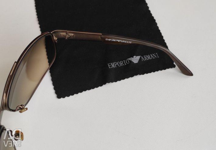 Gözlükler Emporio Armani (İtalya)
