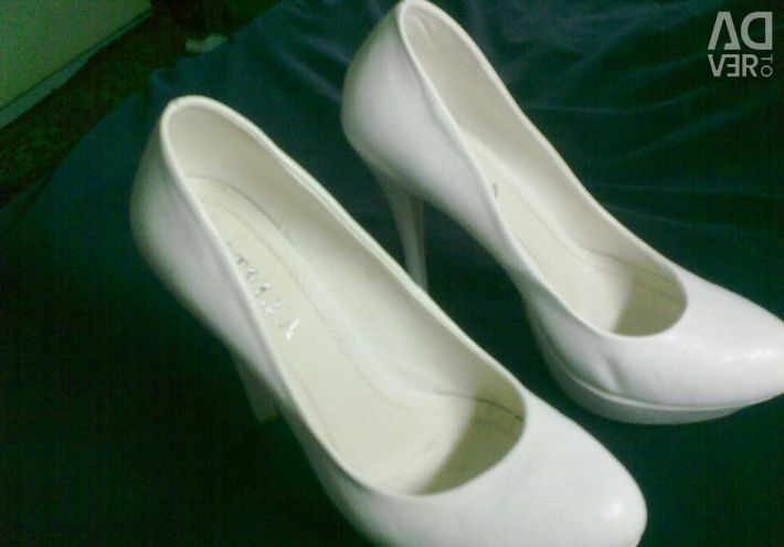 Shoes leather Stella. 40 RUR