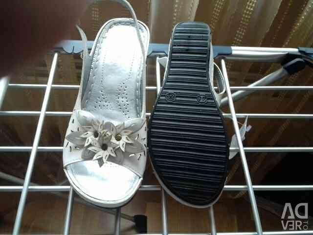 Sandale Ecoskin, dimensiune nouă 40. Foarte confortabil