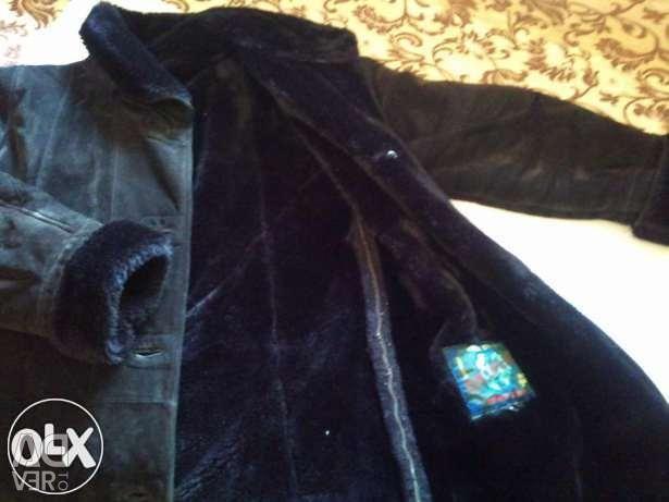 Дубленка натур. замш с капюшоном черная 46-48
