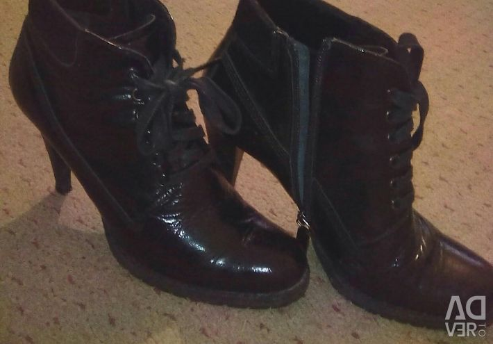 Urgent Sell Boots👢