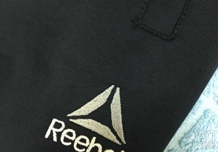 Спортивные костюмы Reebok, унисекс, новые