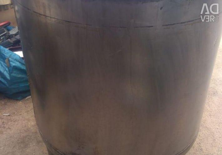 Χρησιμοποιείται δεξαμενή από ανοξείδωτο