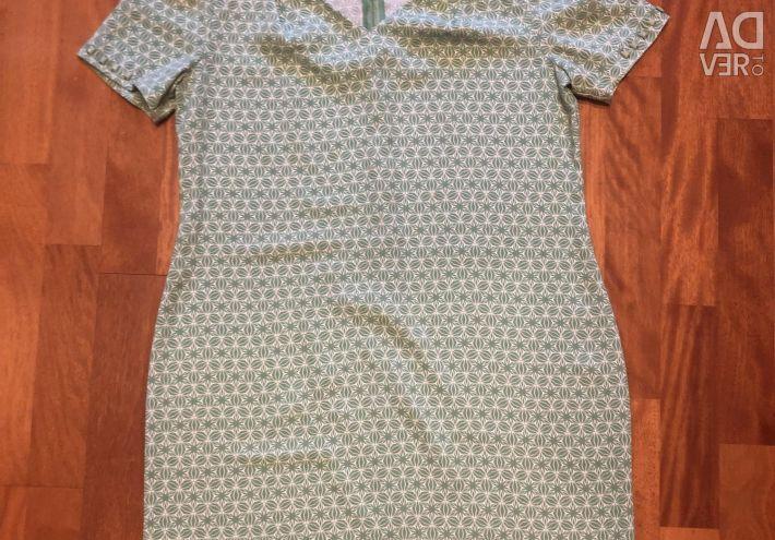 The dress of the zarina
