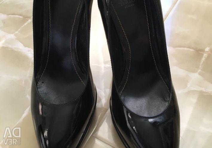 Pantofi pentru femei Nando Muzi.