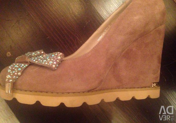 Παπούτσια 35 μέγεθος σουέντ 10 εκατοστά