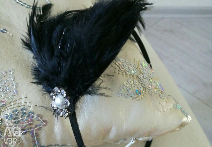 Headband with natural feathers