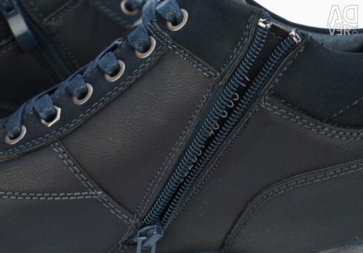 Boots are man's demi-season new.