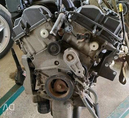 Engine Assembly with Chrysler C300 Gearbox