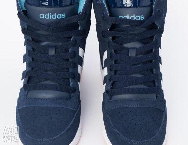 Новые оригинальные Adidas