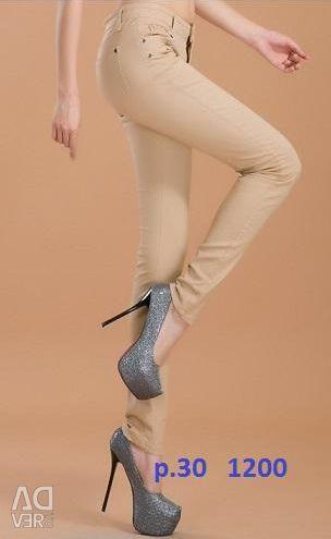 Κομψά παντελόνια όμορφα