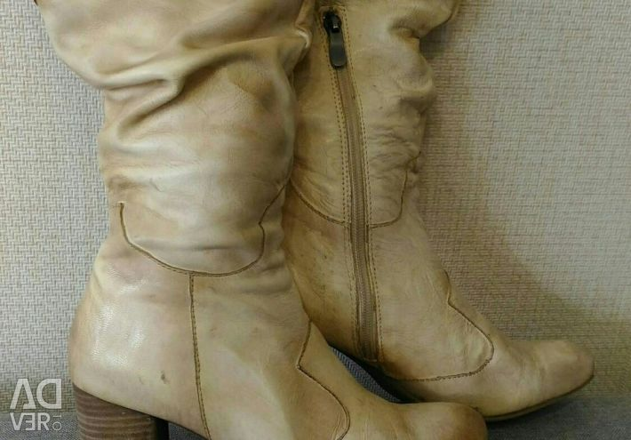 Φυσικές γυναικείες μπότες γυναικών χειμώνα