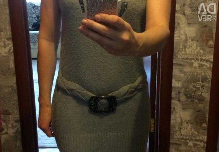 Тeплое платье р.42-44