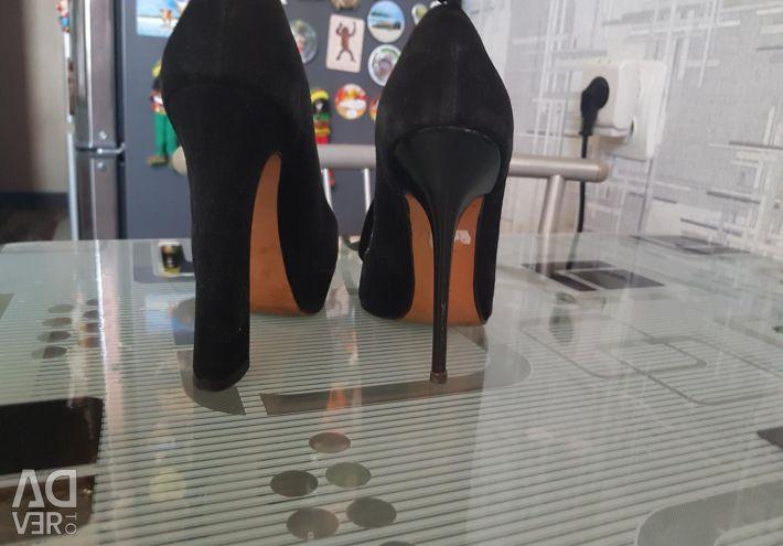 Shoes Grux natures. 35 p.