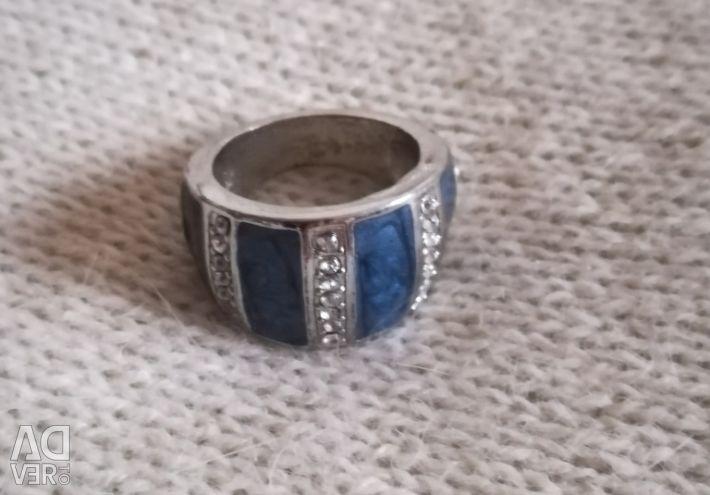 Women's ring ring