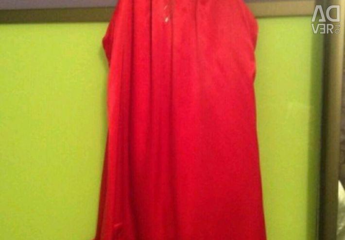 Красное стильное mini raxevskay на 10 лет