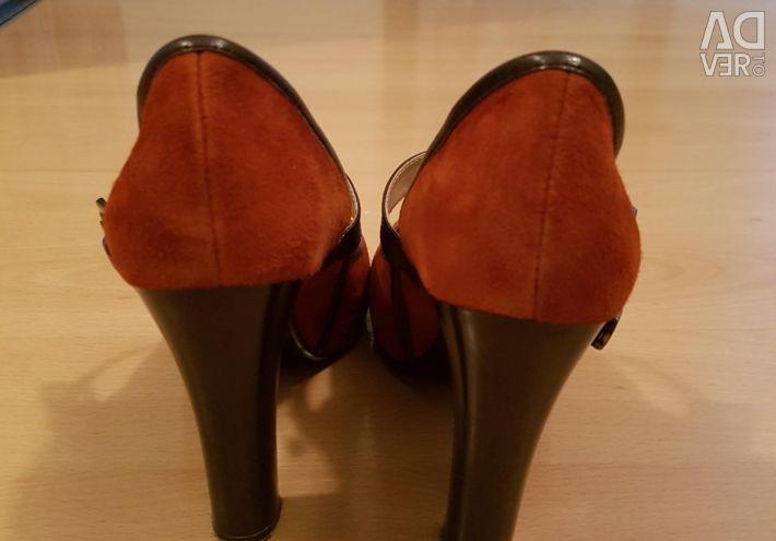 Замшеві туфлі 37 разів.