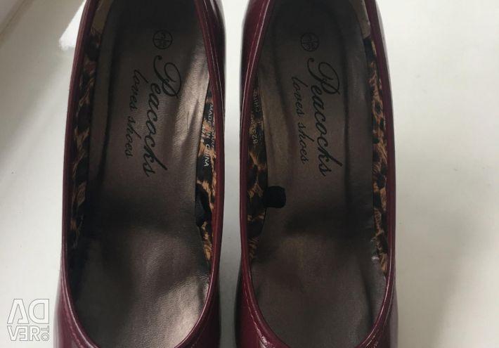 Λακαρισμένα παπούτσια κοκκινίλα 👠