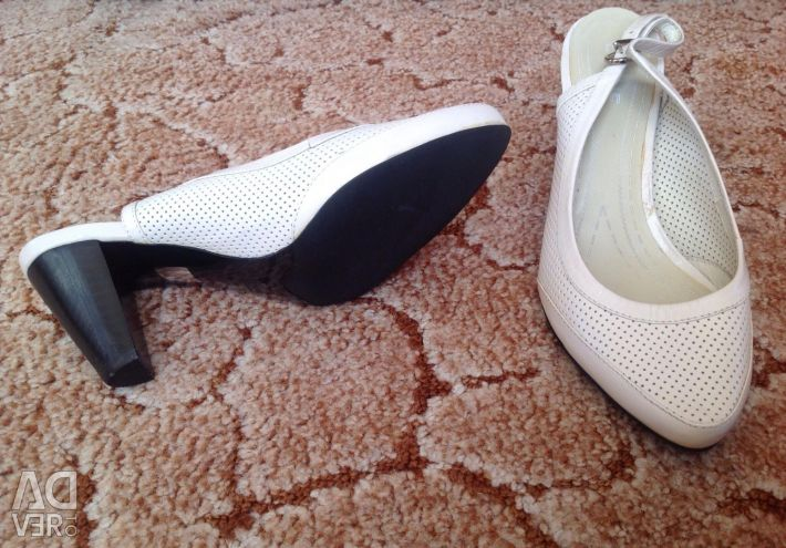 New natural shoes 37