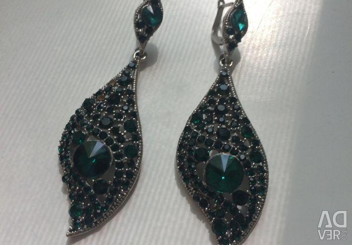 Cercei de culoare smarald