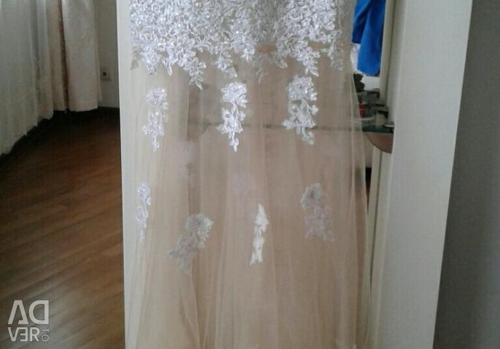 Шикарное платье 44-46 размер