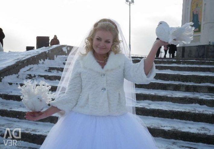 Paltonul de blană este de nuntă