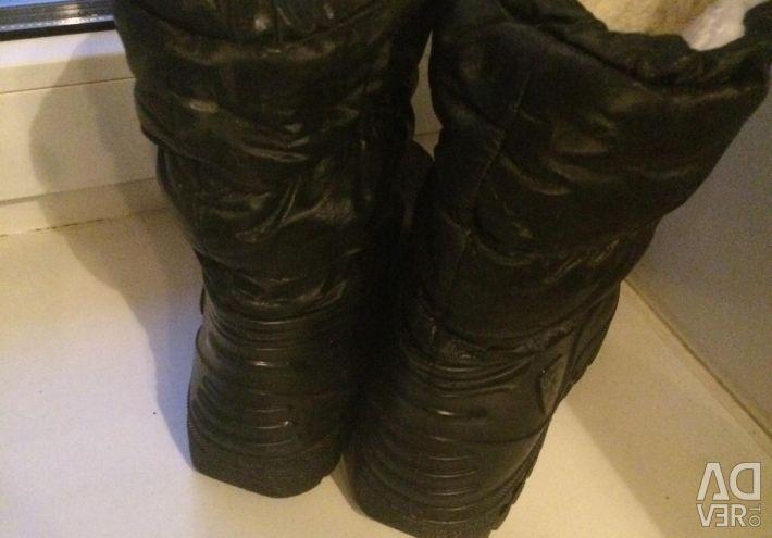 Takım elbise kürklü kışlık lastik çizmeler