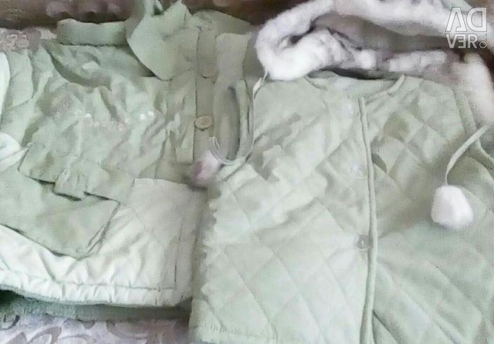 Περιλαμβάνεται χειμωνιάτικο σακάκι, καπέλο και γιλέκο