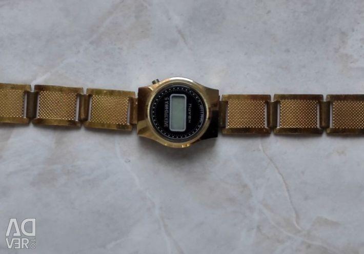 Ceasuri Electronice 5 URSS Bratara Quartz 1980