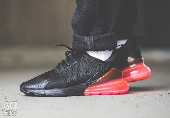 Adidasi pentru barbati Nike Air Max 270