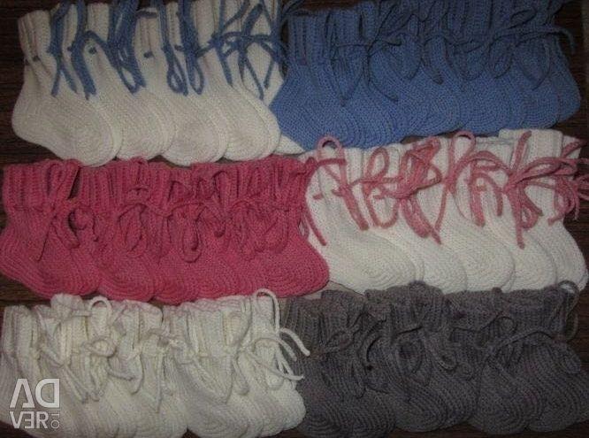 Warm wool socks for babies