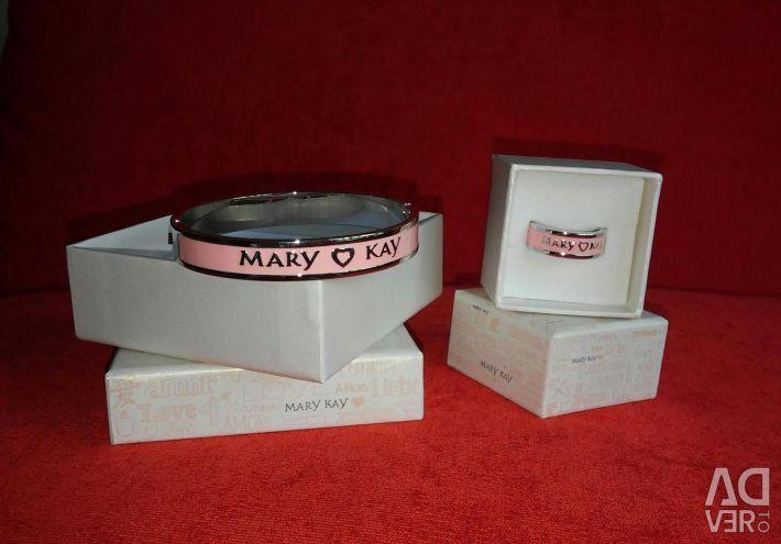 Stylish set of bracelet and ring