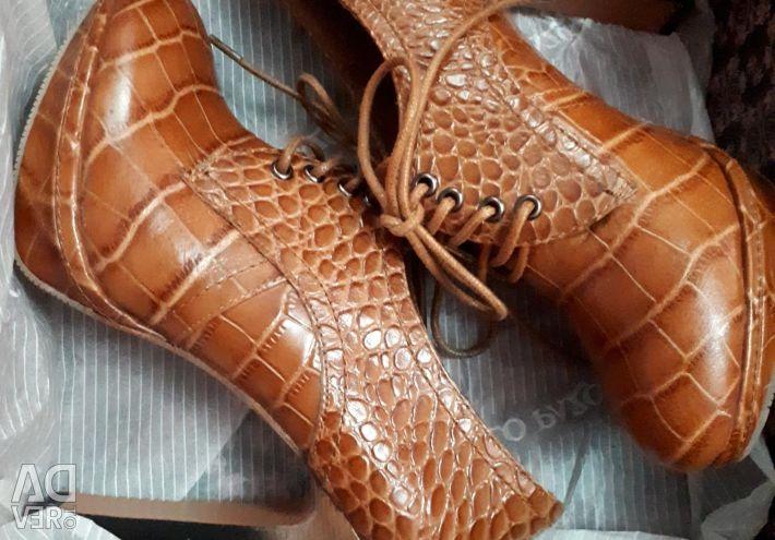 Μπότες αστράγαλο Carlo Pazolini.36 φορές.Νέα.