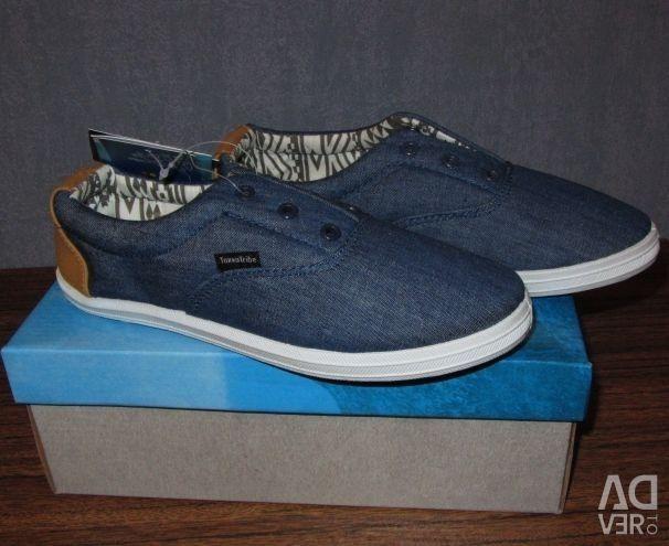 NEW stylish sneakers Tokka Tribe 33.34