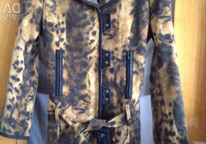 Coat new 46-48 / L wool