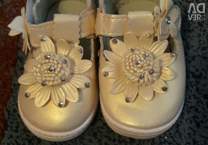 New sandals! 16 rr