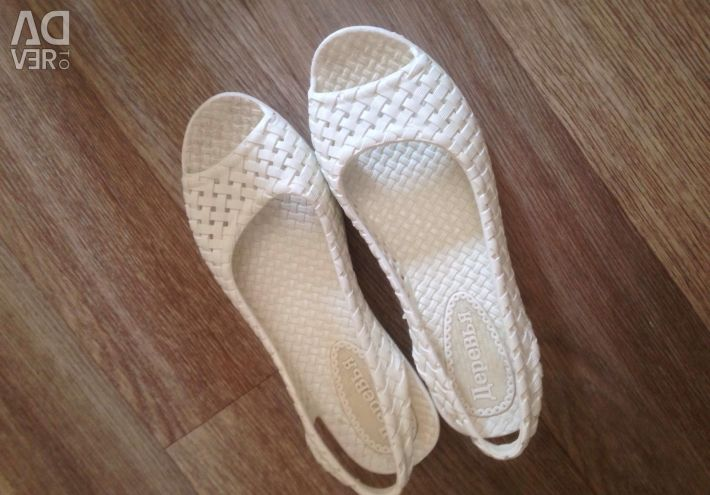Παπούτσια παραλίας p35-36