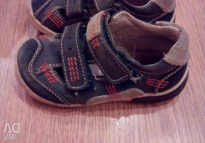 Sandale p 24