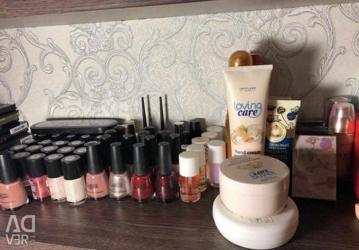 Infinitely many cosmetics !!!!!