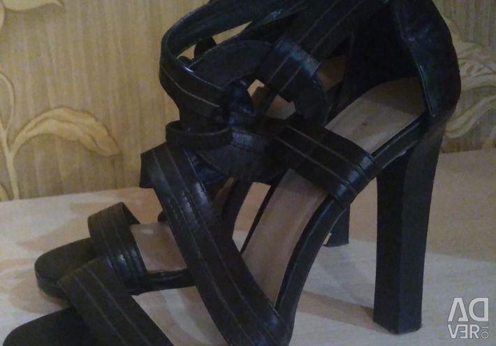 Sandals leather LAURA VALOROSA original