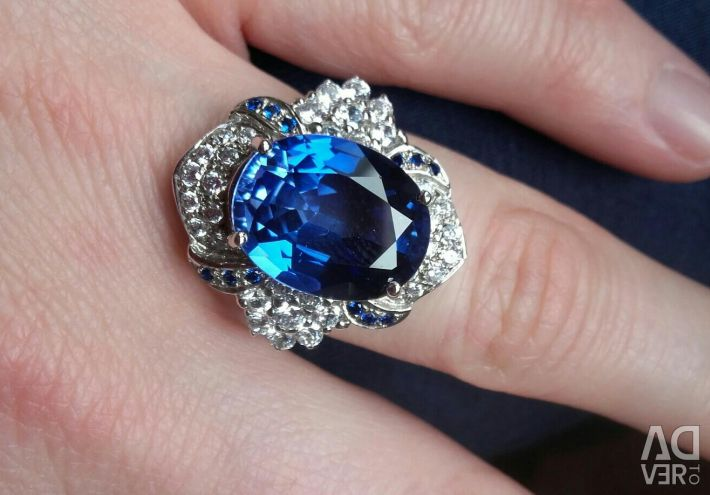 Silver ring sapphires