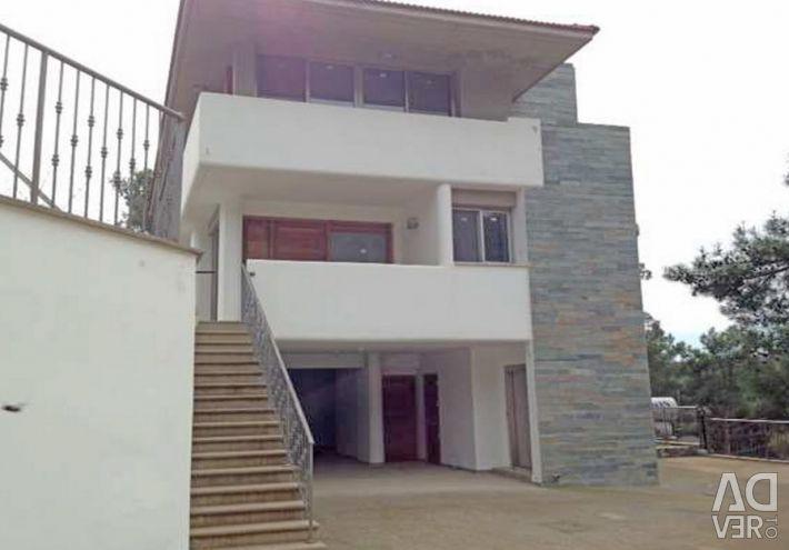 Three Bedroom House in Moniatis, Limassol