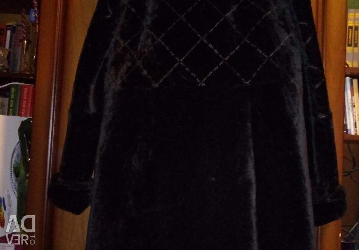New fur coat from Mouton with a mink stand-up collar