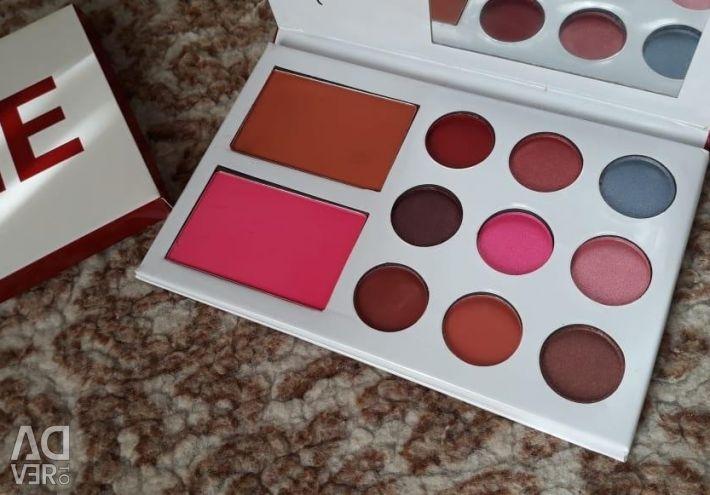 A set of shadows + blush! ?