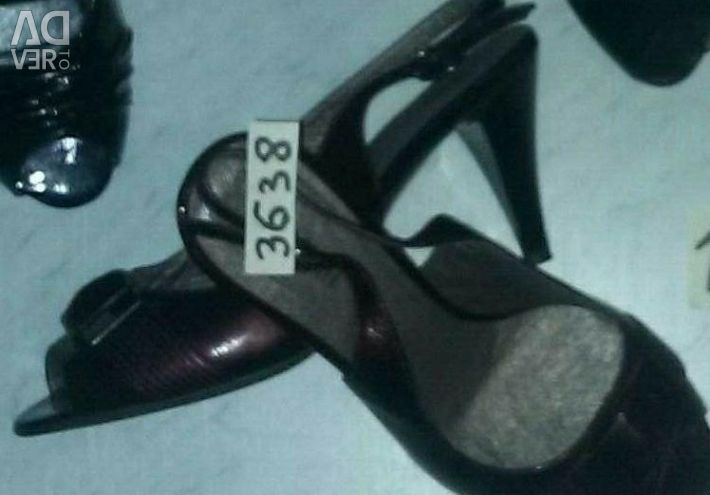 Sandale de piele pentru femei noi